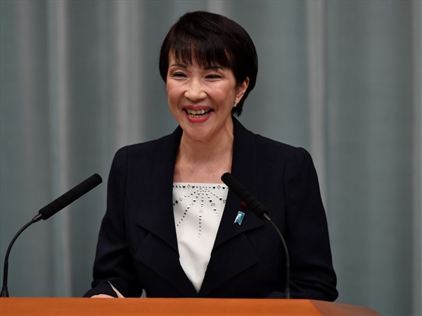 Cựu Bộ trưởng Nội vụ Sanae Takaichi có cơ hội trở thành nữ thủ tướng đầu tiên của Nhật với sự ủng hộ từ ông Abe Shinzo. Ảnh: AFP.