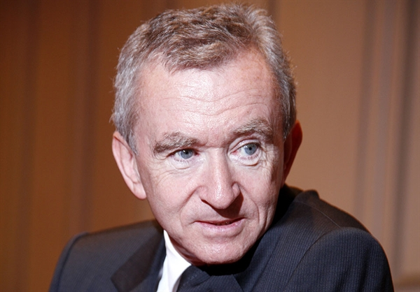 Ông Bernard Jean Étienne Arnault là một ông trùm kinh doanh, một nhà đầu tư và nhà sưu tầm nghệ thuật người Pháp. Ảnh: Ceoworld.