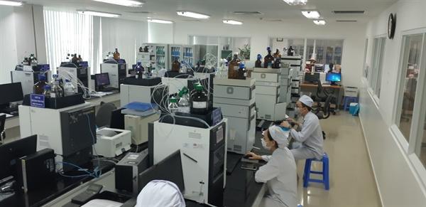 Từng con người trong hệ thống sản xuất của Dược Hậu Giang đều được trang bị đầy đủ kiến thức và huấn luyện bài bản về Japan-GMP
