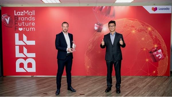 Công ty Estée Lauder đã mang về giải thưởng danh giá Thương hiệu LazMall của năm.