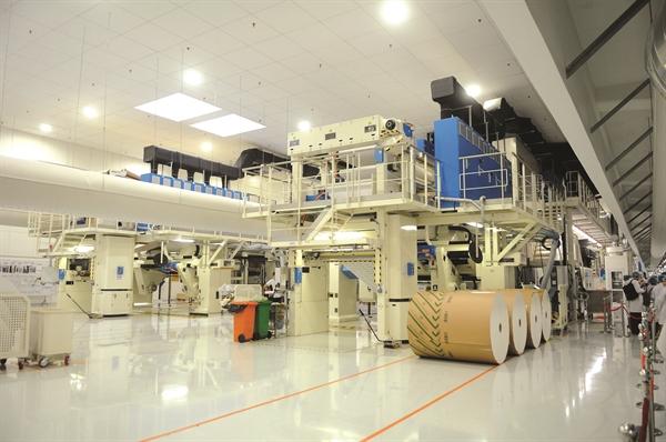 Hiệp hội Giấy và Bột giấy Việt Nam (VPPA) đánh giá, sự phát triển của ngành hàng thực phẩm là yếu tố chính tác động đến ngành bao bì tại Việt Nam. Ảnh: TL
