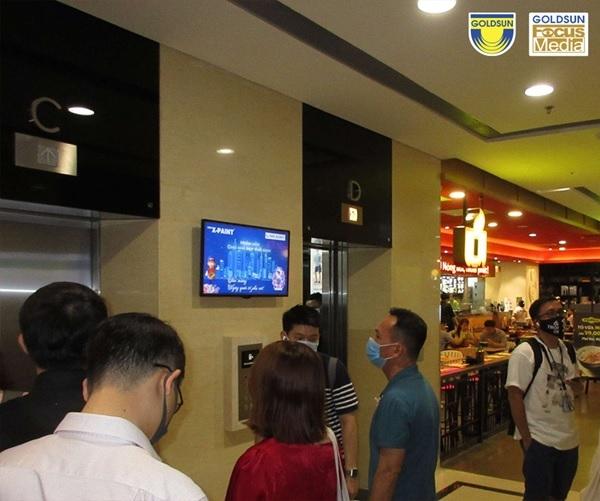 Đặt quảng cáo LCD tại sảnh chung cư vẫn tạo hiệu ứng tích cực