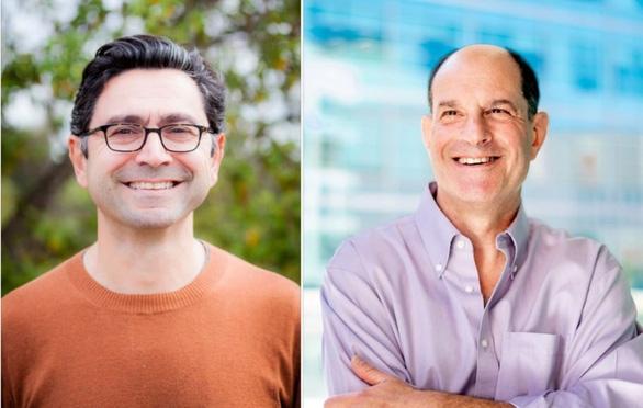 Giáo sư Ardem Patapoutian (trái) và giáo sư David Julius cùng đoạt giải Nobel y sinh 2021. Ảnh: Reuters.