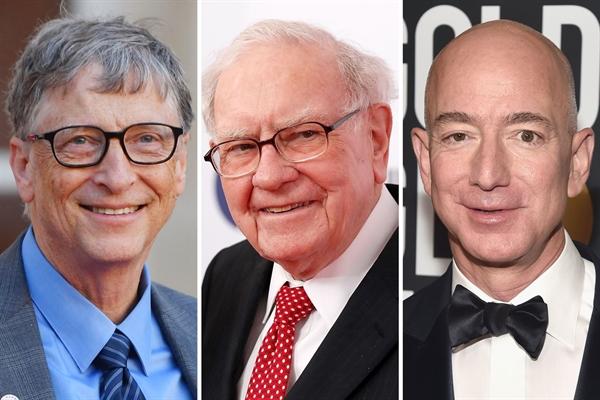 Từ trái sang, nhà đồng sáng lập Microsoft - Bill Gates; tỉ phú đầu tư Warren Buffet, nhà sáng lập Amazon, Jeff Bezos. Ảnh: TL.