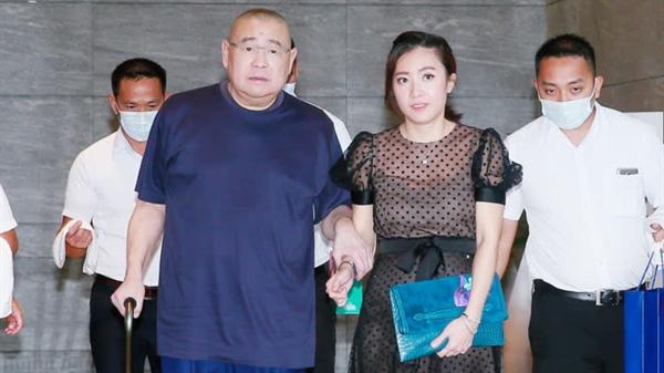 Công ty Chinese Estates do ông Joseph Lau thành lập và hiện do vợ ông là Kimbie Chan Hoi-wan lãnh đạo, đang bán cổ phần của mình tại Evergrande sau khi ủng hộ công ty trong hơn một thập kỷ. Ảnh: Getty Images.