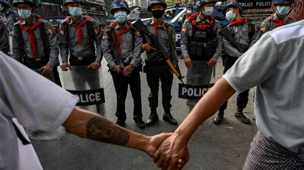 Nhà điều hành viễn thông do nhà nước Na Uy kiểm soát Telenor đã xóa bỏ toàn bộ khoản đầu tư 780 triệu USD vào Myanmar vào tháng 5. Ảnh: AFP.