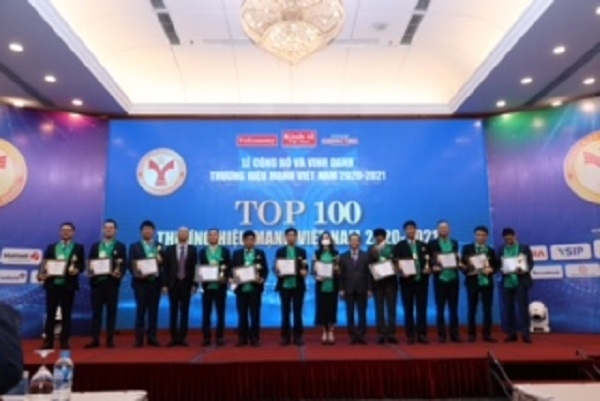 Top các doanh nghiệp nhận giải thưởng trong lĩnh vực Tài chính – ngân hàng. Ảnh: TL.